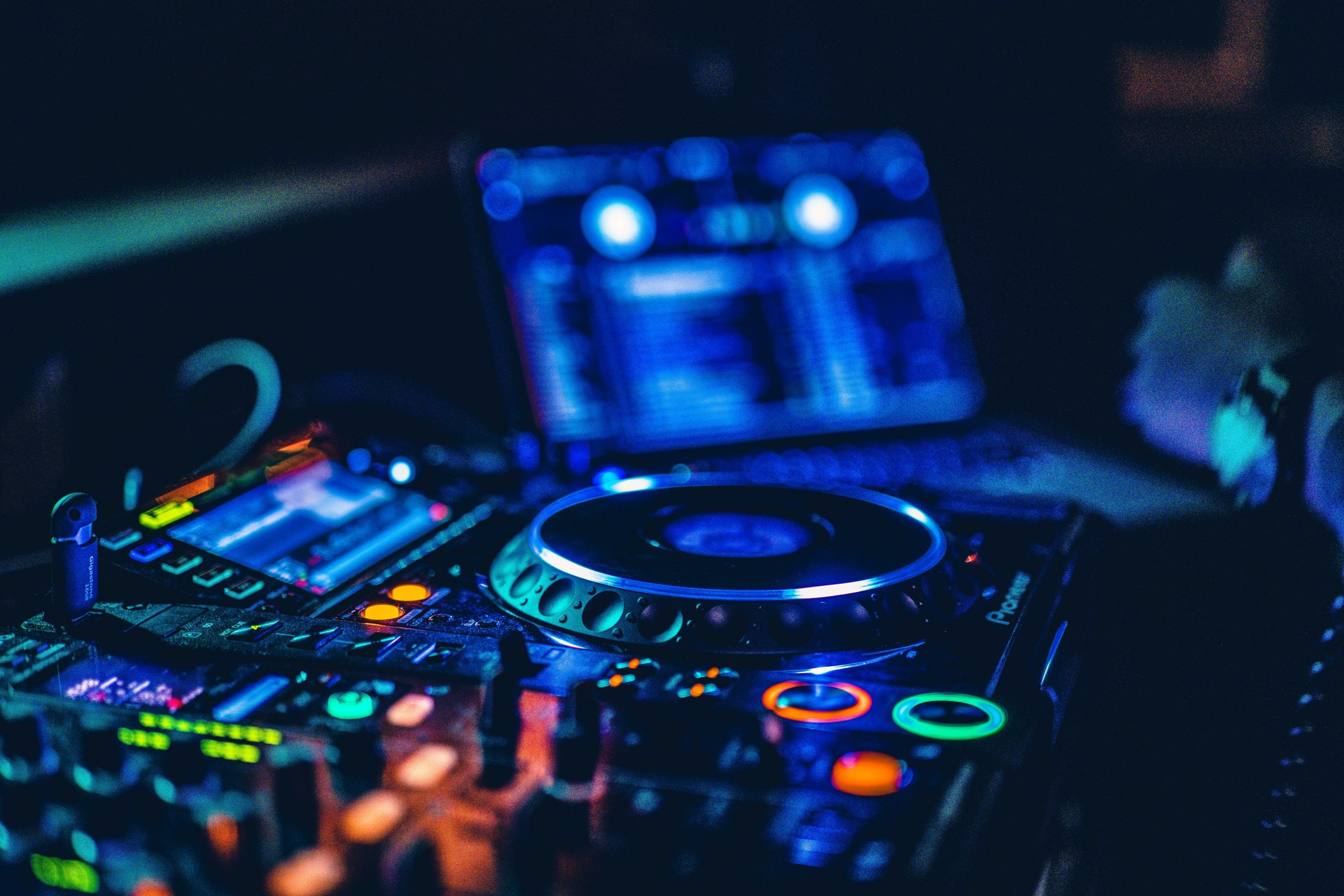 Absolute DJs